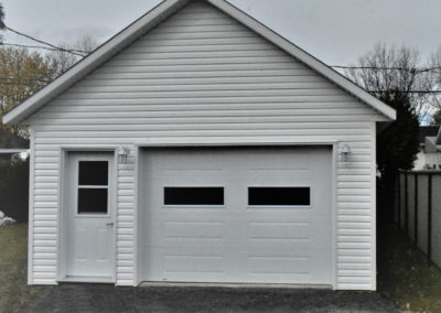 Garage préfabriqué 18′ X 25′ 6 »